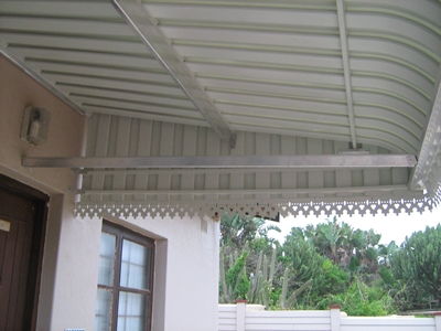 aluminium-awning-from-underneath