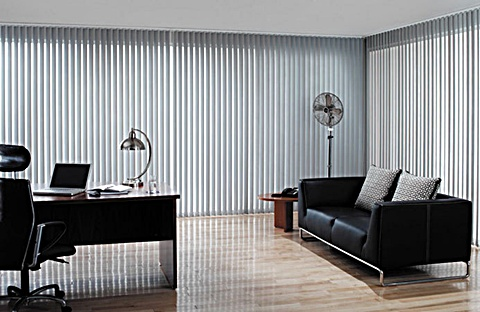 lounge-vertical-blinds